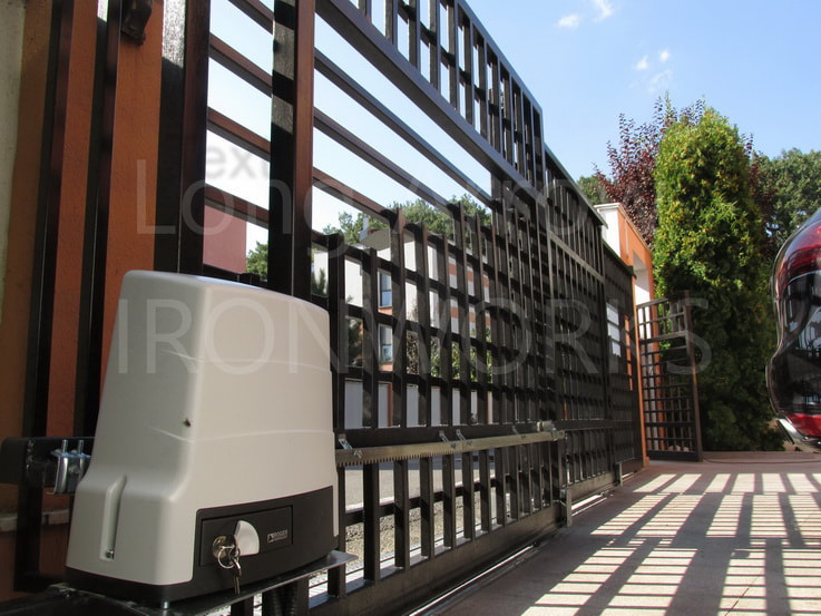Roger Technology - electric powered telescopic gate